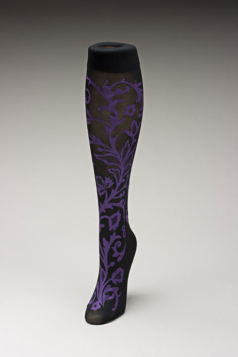 Trouser socks in BlkPurp_LACE