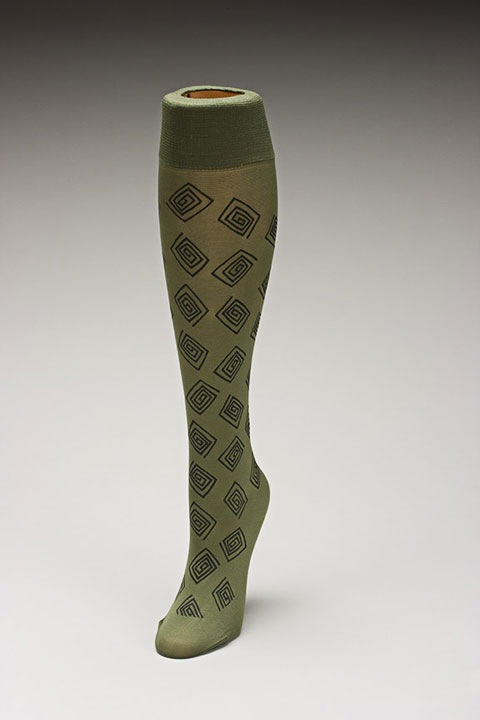 Trouser socks in Oliveblk_SQUARES
