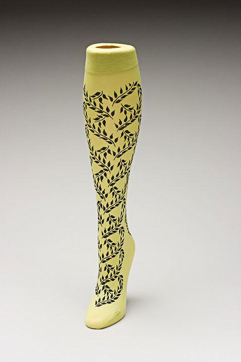 Trouser socks in SpGreenBlk_VINES