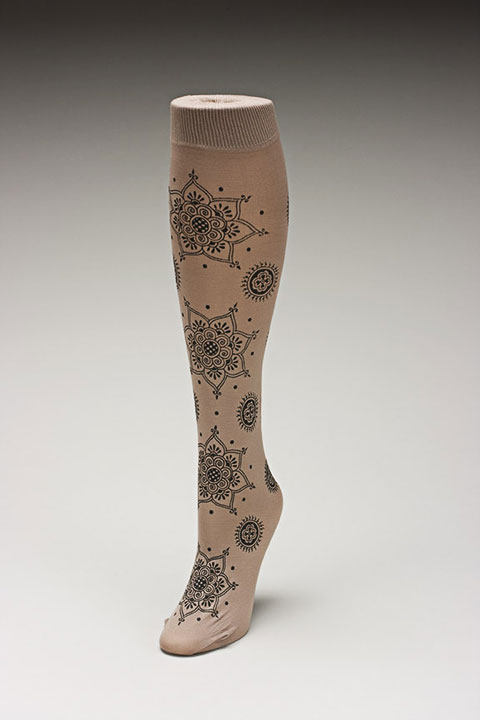 Trouser socks in Tan_MEHNDI